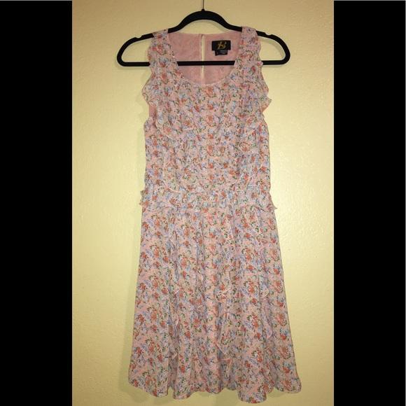 SB Dresses & Skirts - Floral Ruffled Dress